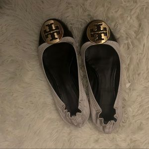 black and white tory burch flats